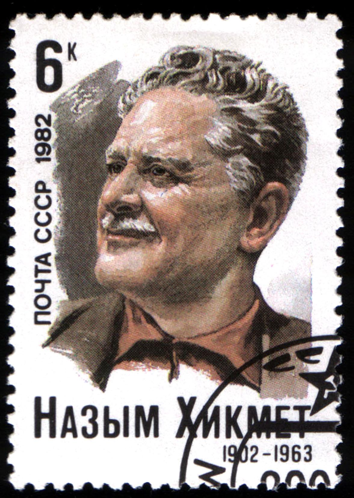 Francobollo sovietico con ritratto di Hikmet